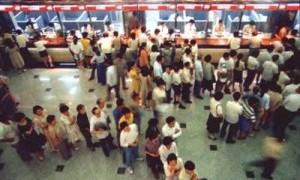 中国の銀行の行列が解消しない理由がコレ!