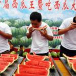 中国のスイカ食べ大会