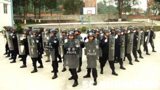 中国警察装備のシールドの意外な使われ方