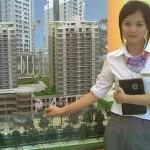 セクシーに様変わりしてきた 中国の女性マンション販売員
