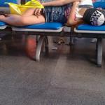 目のやり場に困る?中国女性のオープンな寝姿
