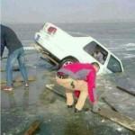 中国の車が穴に落ちる不運な度合いが高すぎる件
