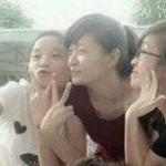 中国女の子が集まると写真を撮ります