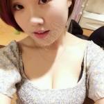 中国女性が  どーだ!とばかりに自慢している 自撮り谷間写真