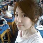 授業中でも自撮りしてる中国の教師