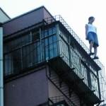 中国レスキューが用意した飛び降り自殺抑止の新兵器