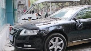 【悲惨】中国の高層ビルのよこに止めた車がボコボコになる理由