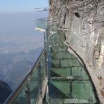 中国人はガラスの高空桟道が好き?