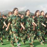 中国の学生が体験する軍隊訓練が気を失いそうになる件