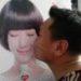 アイドルやスターのポスターを見るとキスをしてしまう人にご注意