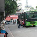【閲覧注意】中国のバスを命がけで待たなければならない場合
