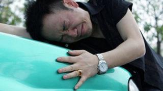 中国の女性ドライバーのしつこい当たり屋を追っ払う方法