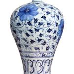 中国の陶磁器の曲線とチャイナドレス