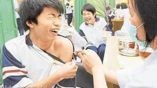 中国では注射を打つ時 大人でも泣き叫びます。