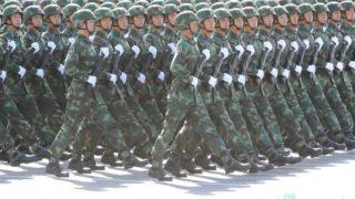 正步ー 中国の学生さんたちが軍隊練習として習う隊列行進