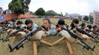 射击课 ー 中国の警察予備校の実践的な射撃練習