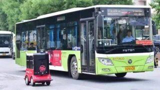 中国ではついにロボットが宅配荷物を運び始めました!