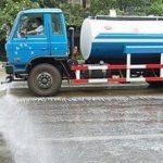 中国では道路清掃の散水車が迫ってきたらダッシュで逃げます。