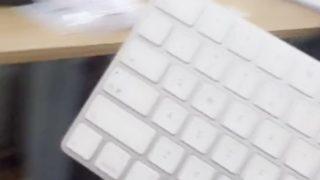 ワイヤレスキーボードだからできるイタズラ