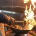 中国の料理人が重い中華鍋を振れる理由