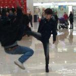 中国男児も逃げ出す本場中国女性のキック力