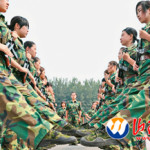 携帯を人質した最近の中国の軍隊トレーニング