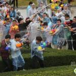 """水をぶっかけ合う中国のお祭り""""売身節"""""""