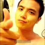 中国のお兄さんのかっこつけた写真のポーズ