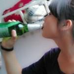 中国のビールはラッパ飲みが基本です