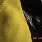 セーターの糸は引っ張らずに切る