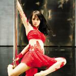 できる中国女性はいつでもどこでもポールダンス?