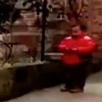 中国の子供が花火で遊んでいると意図しない第二の危機に見舞われてしまうおもしろ動画