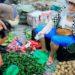 中国では野菜を売る人がどこにでも店を出すのが問題です。
