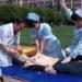 中国の心肺蘇生法を普及させる活動での間違った人形の扱い方