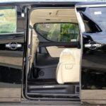 また車の安全性を証明しようとする人がいました。