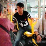 公共交通機関で眠いけど席を譲らないやつだと思われたくない時