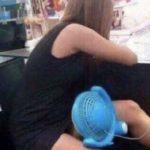 真夏の暑い日はスカートで空調する中国女子