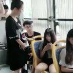 中国のバスで妊婦さんに席を譲らない客に運転手がきれた結果