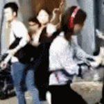 所構わず踊り出す中国の人たち