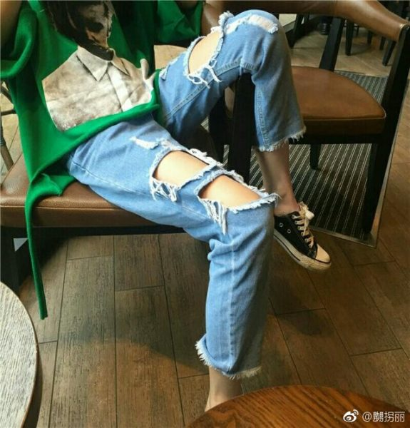 中国の限界ギリギリの穴あきジーンズが限界を越えてきた!?