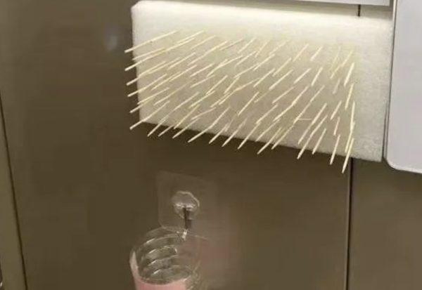 コロナウィルス警戒中のエレベータボタンの押し方