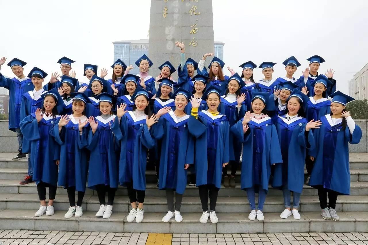 今年の中国の卒業写真の様変わりが凄すぎ!